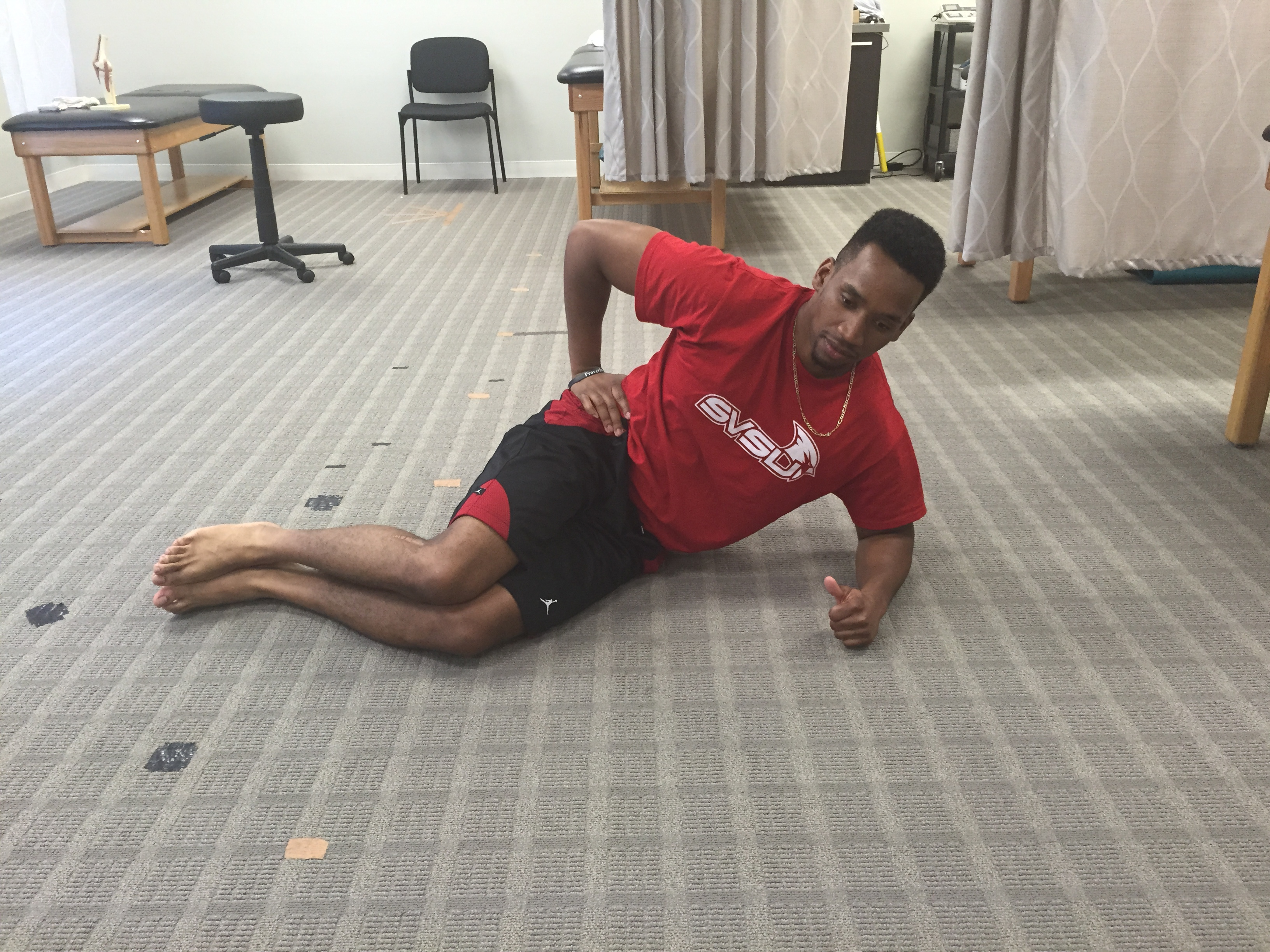 Exercises to avoid soccer injury to the hip flexor.